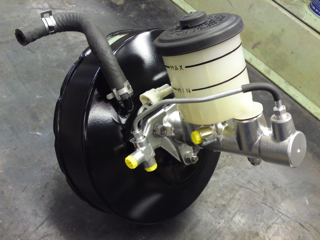 Refurbished main brake cylinder and brake booster