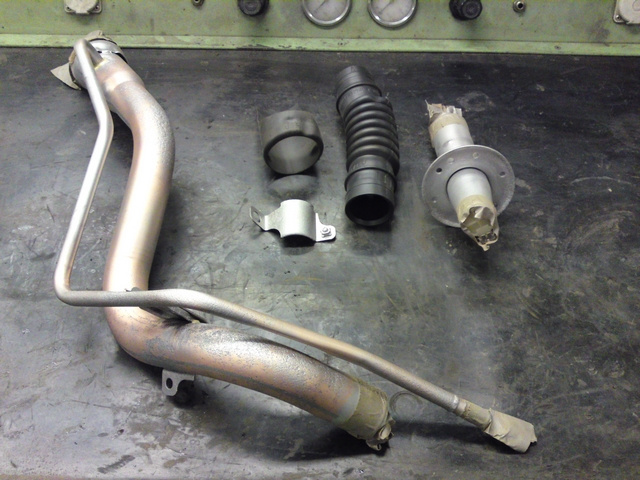 Fuel filler neck in parts